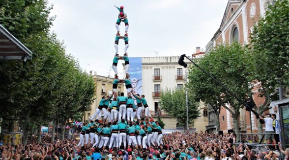 Human towers all saints performance & Montblanc medieval